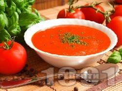 Гаспачо - испанска студена доматена крем супа с пресни домати, червен лук, краставици, чушки и целина - снимка на рецептата